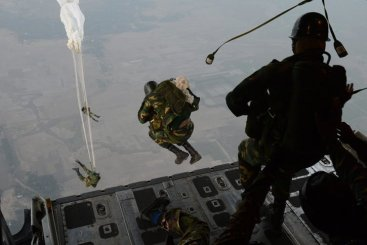 Bangladesh Armed Forces training under supervision of US Forces
