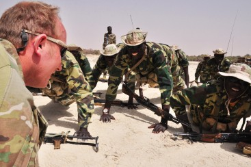 An American Green Beret leads Chadian commandos